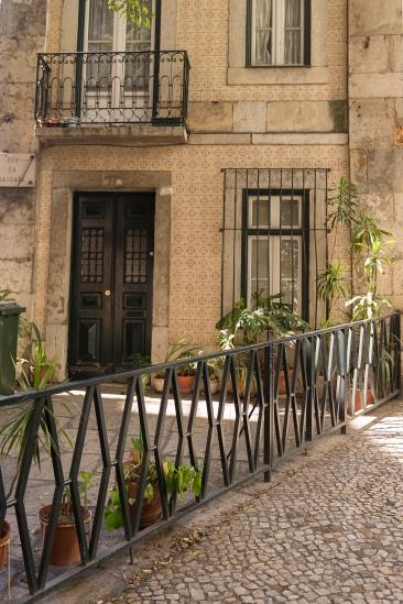 Une façade typique de Lisbonne, couverte de carreaux de faïence.