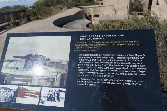 Détails concernant le fort militaire utilisé pour la défense entre 1909 et 1942.