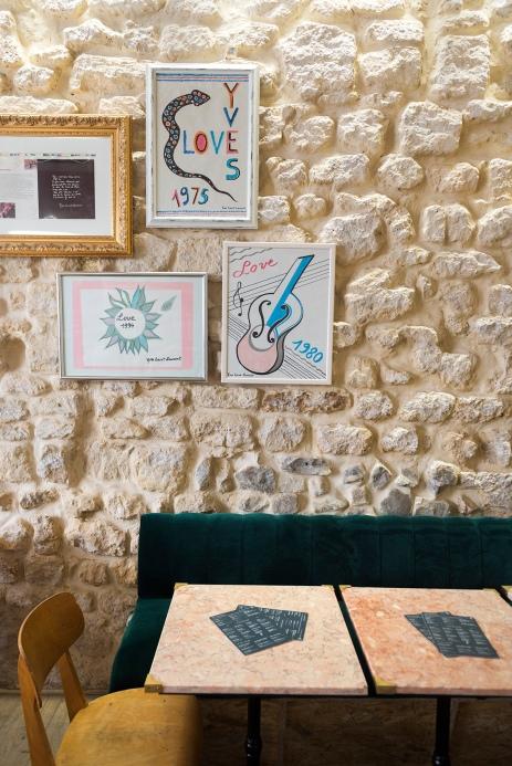 La décoration aux inspirations d'Yves Saint Laurent.