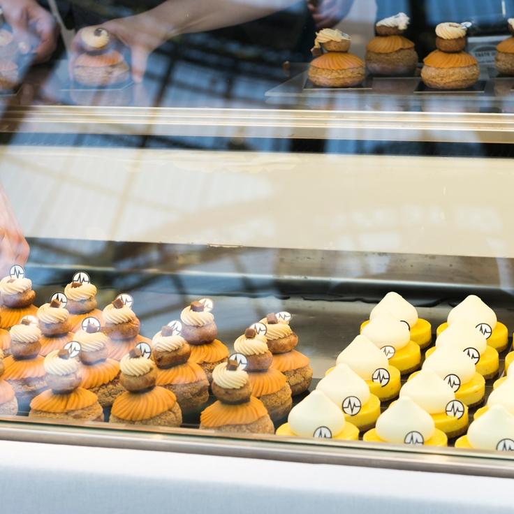 Les desserts de Christophe Michalak, religieuse caramel beurre salé, mini klassik yuzu citron vert.