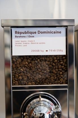 De nombreux cafés d'origine sont disponibles ainsi que des mélanges maison. Torréfaction faite sur place.