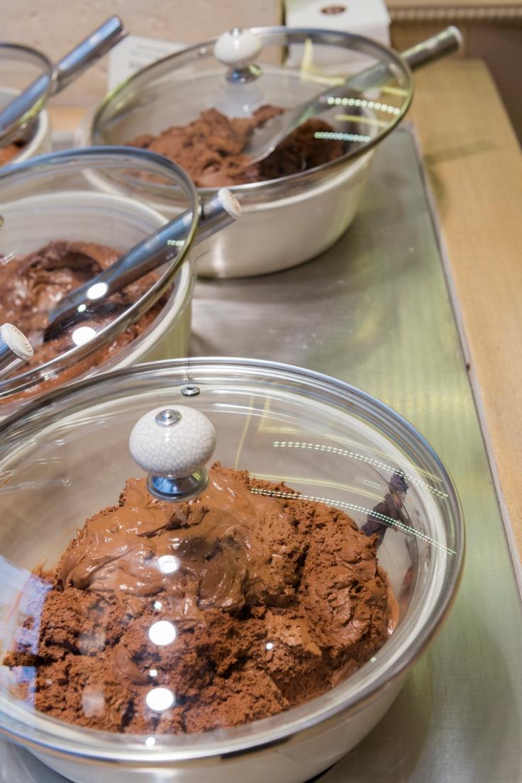 Un bar à mousse au chocolat est disponible chez Chapon... Un seul mot d'ordre: FONCEZ !