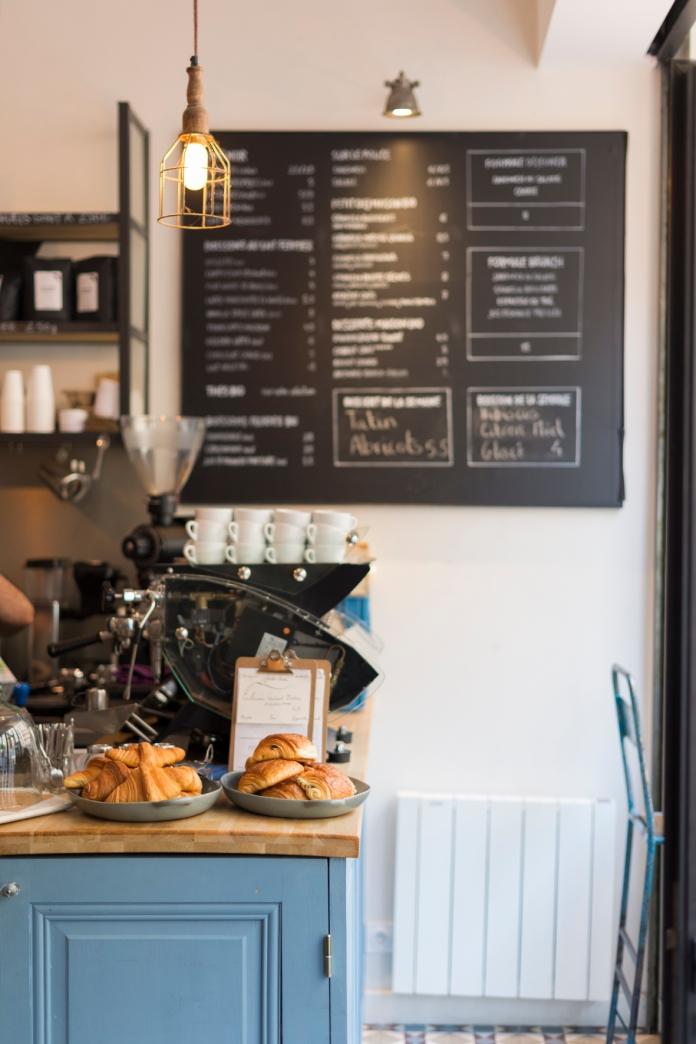 De bon matin chez Radiodays: l'odeur de croissants chauds se mêle à celle du café.