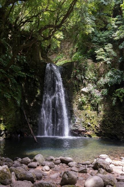 La Cascade Salto do Prego à Faial da Terra dans les Açores.