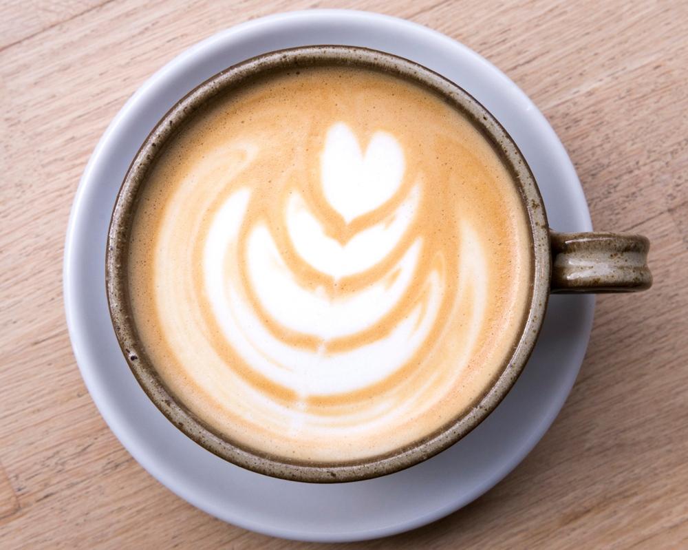 Photographie en gros plan d'un latté art.