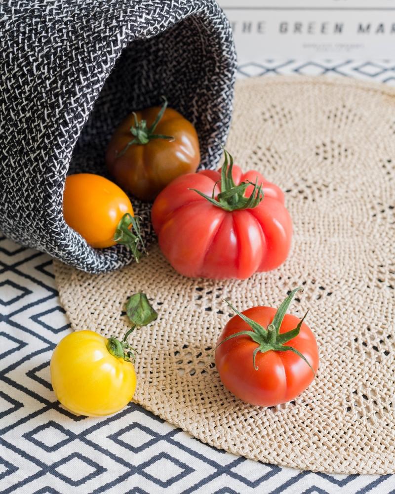 Photographie de tomates colorées