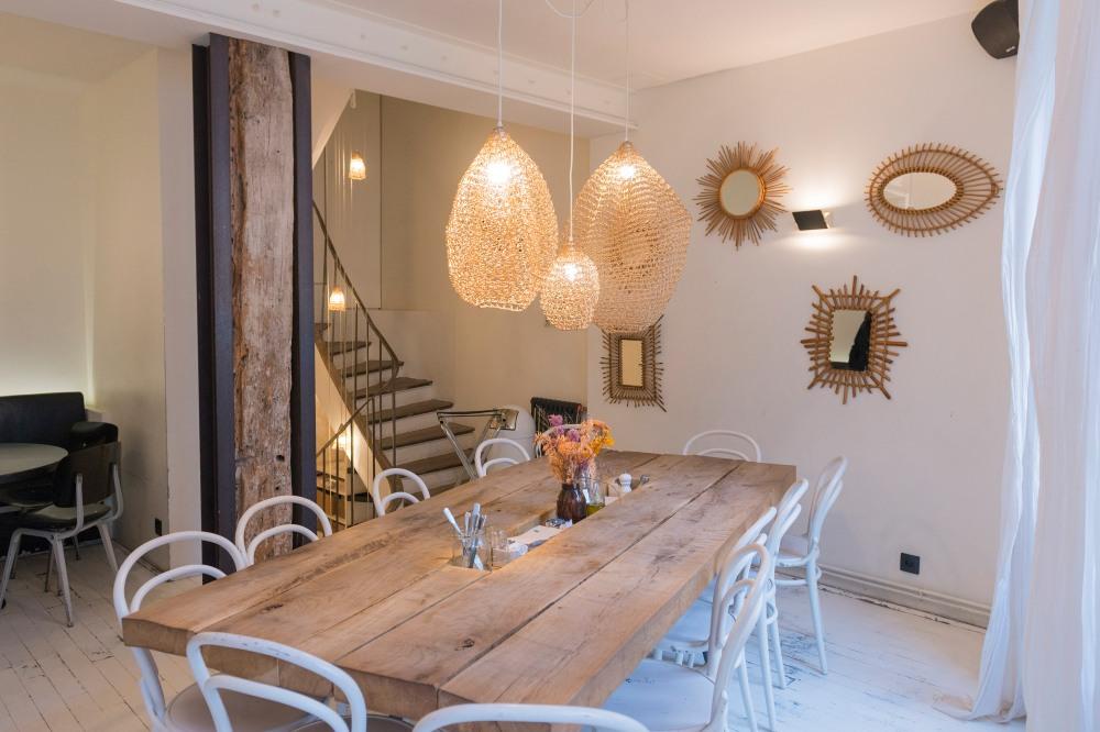 Photographie de la décoration d'intérieur du restaurant Marcelle à Paris.