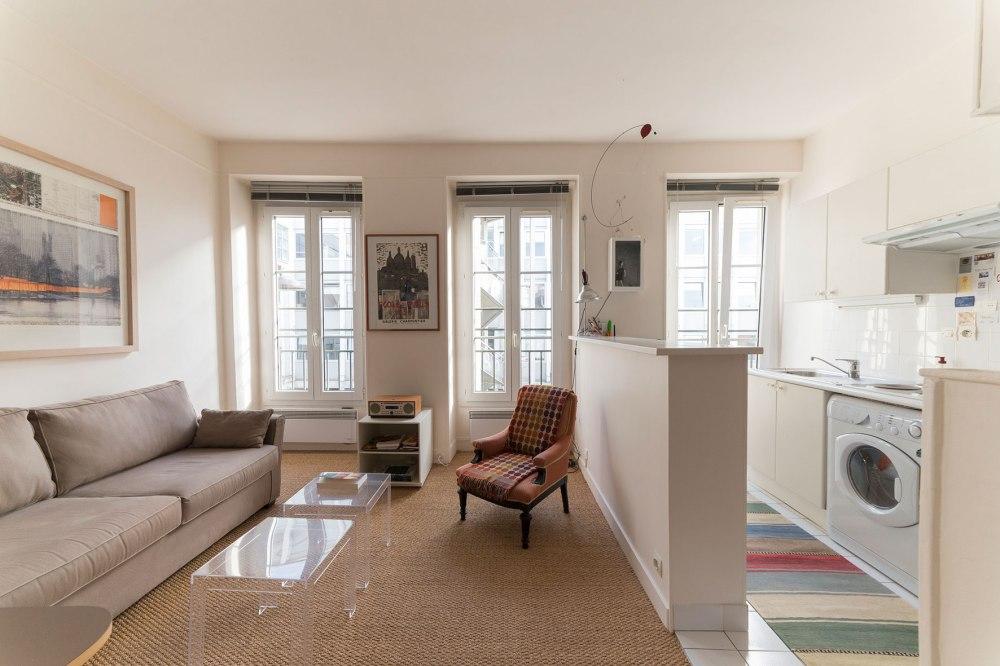 Photo du salon d'une habitation pour agence immobilière.