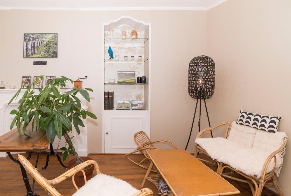 Photographie d'intérieur d'un salon de thé