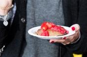 Quand le vernis de Johanna match avec ses pancakes sans gluten coco fruits rouges !