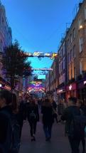 La rue des illuminés !