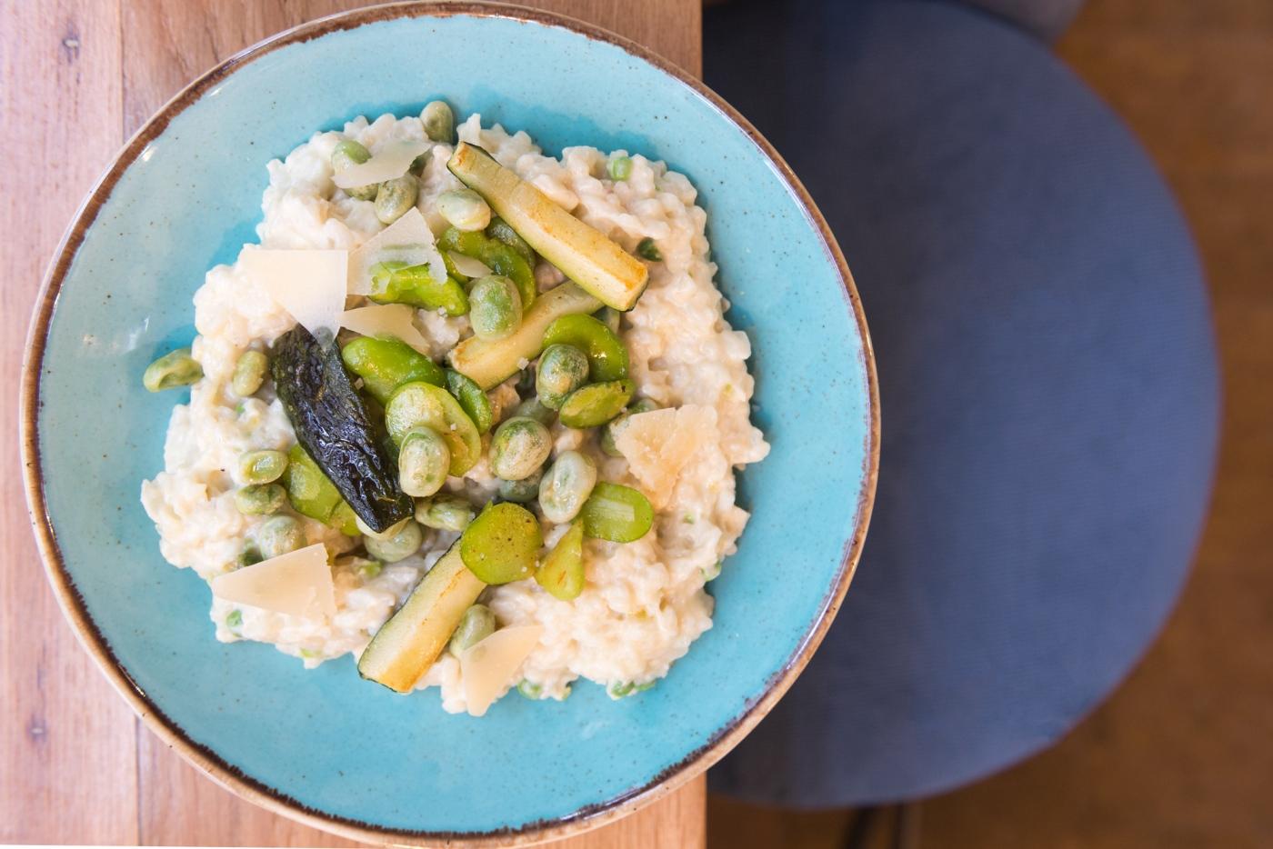 À la carte chez MINO, le risotto aux légumes verts.