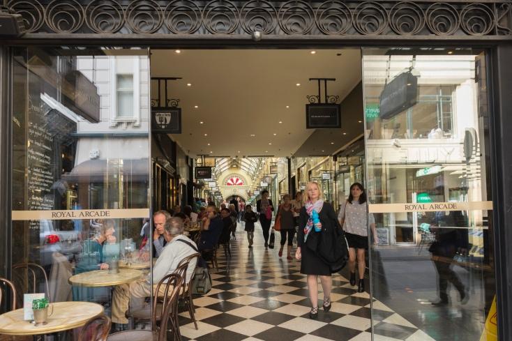 L'entrée de la galerie commerciale Royal Arcade à Melbourne.